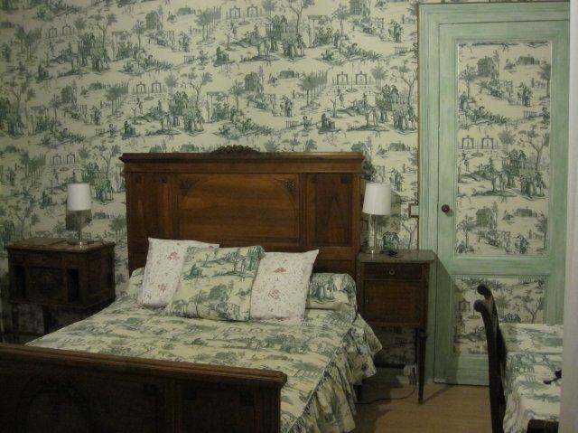 chambred 39 h tesbordeaux une maison partager chambre ancienne. Black Bedroom Furniture Sets. Home Design Ideas