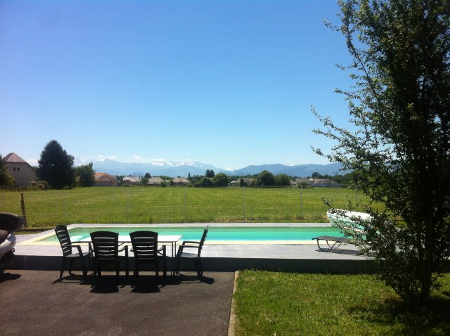 Cottage + jacuzzi + swimming-pool + breakfast in front of pyrénées beside lourdes 1