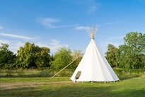 Bed and breakfast, B and B Tipis unusual